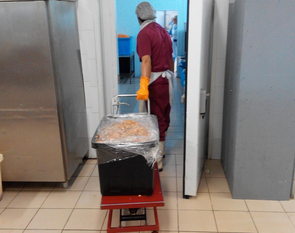 9. Фальцуется пленкой и ставится в холодильник